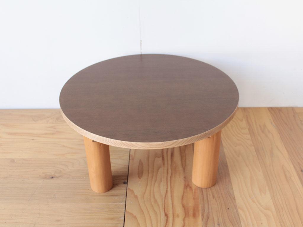 リメイク前の座卓の脚を取り付けた円形テーブル