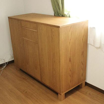 完成したオークのサイドボードをお客様宅に納品