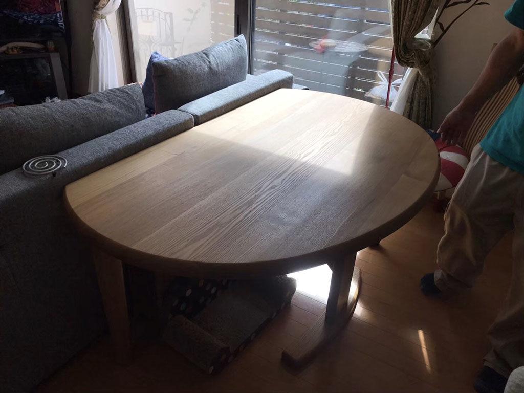 サイズを小さくしたいとリメイクのご相談をいただいた半円形のダイニングテーブル