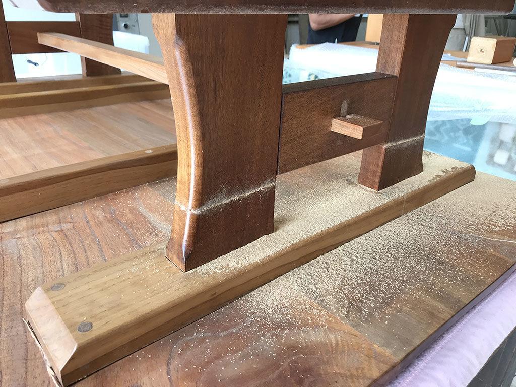 組立式でないローテーブルの脚を外してリメイクするための方法を模索