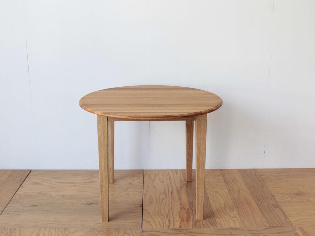 ナラ材のちゃぶ台をリメイクしたダイニングテーブル