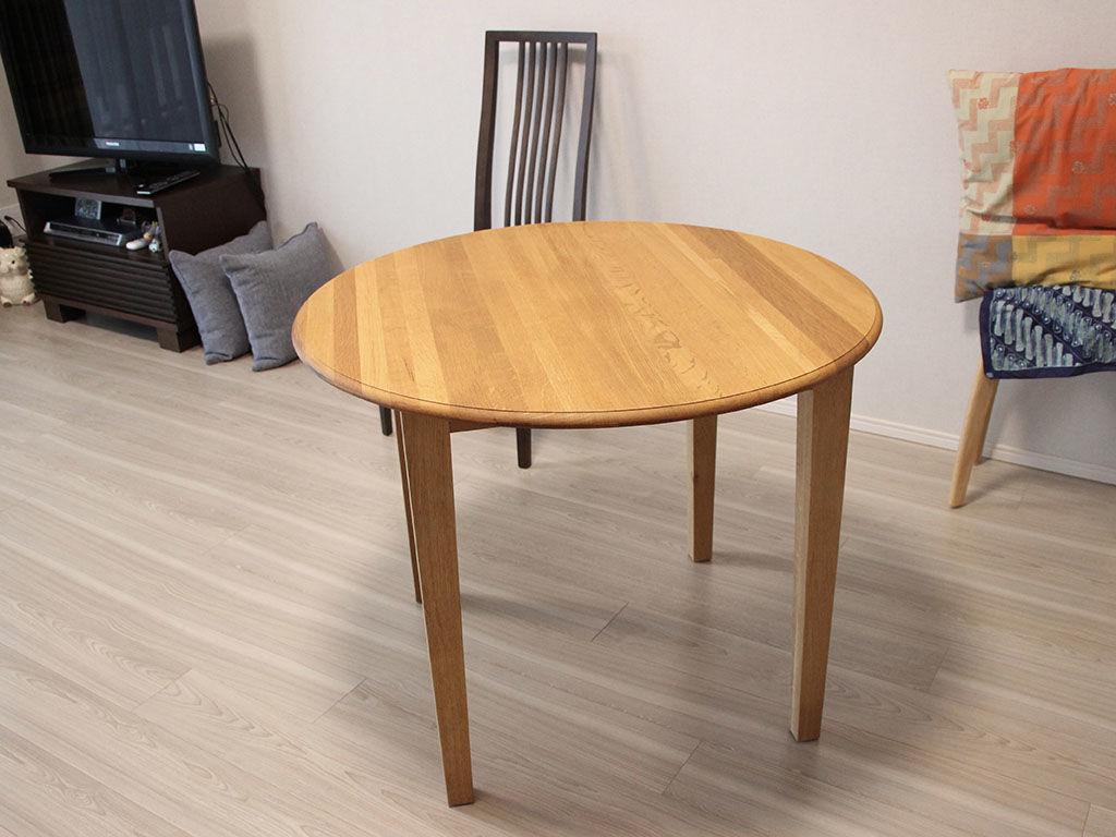 ちゃぶ台をリメイクしたダイニングテーブルをお客様のお部屋に設置完了