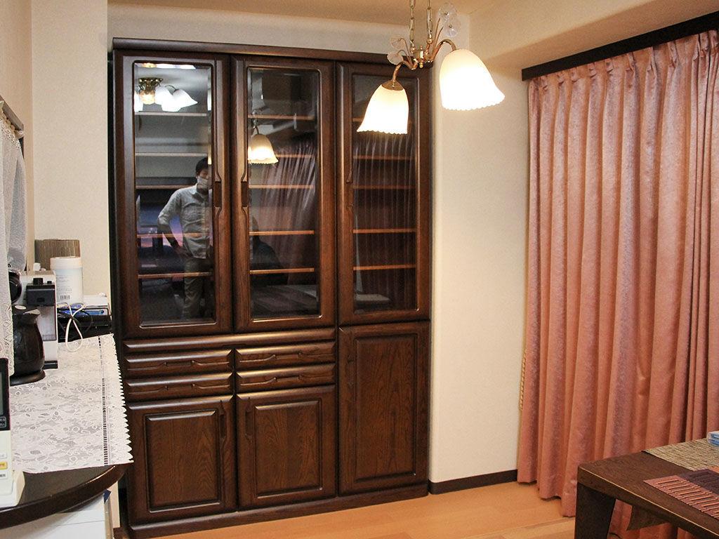 高さをリサイズしてリフォーム後のお部屋にピッタリ収まった食器棚