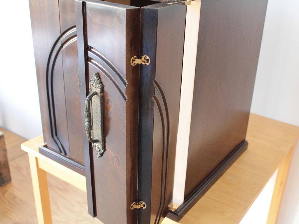 和タンスの1枚の扉を折れ戸に加工