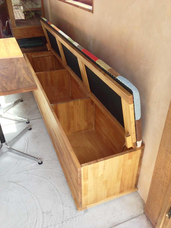 オーダーメイドの収納付きベンチ