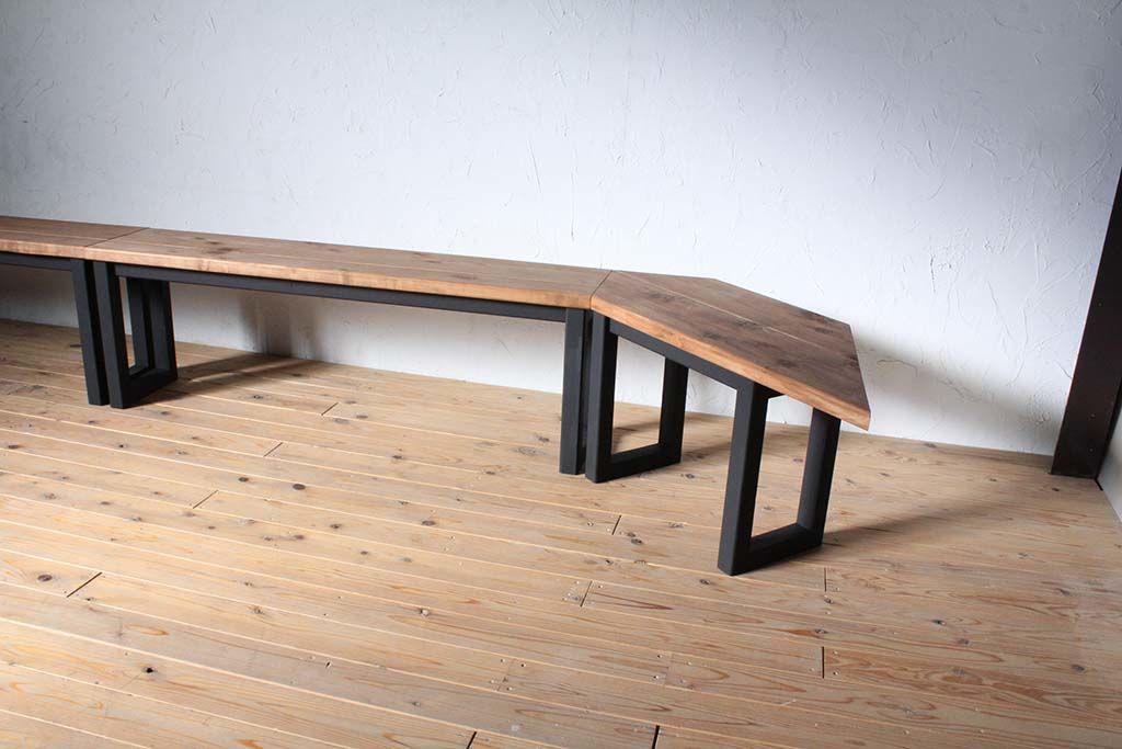 お部屋に合わせたサイズで壁面テーブル