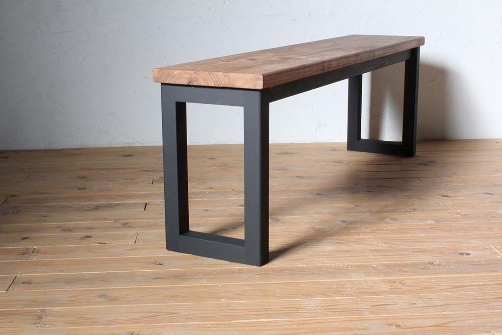 ロの字脚壁面テーブル