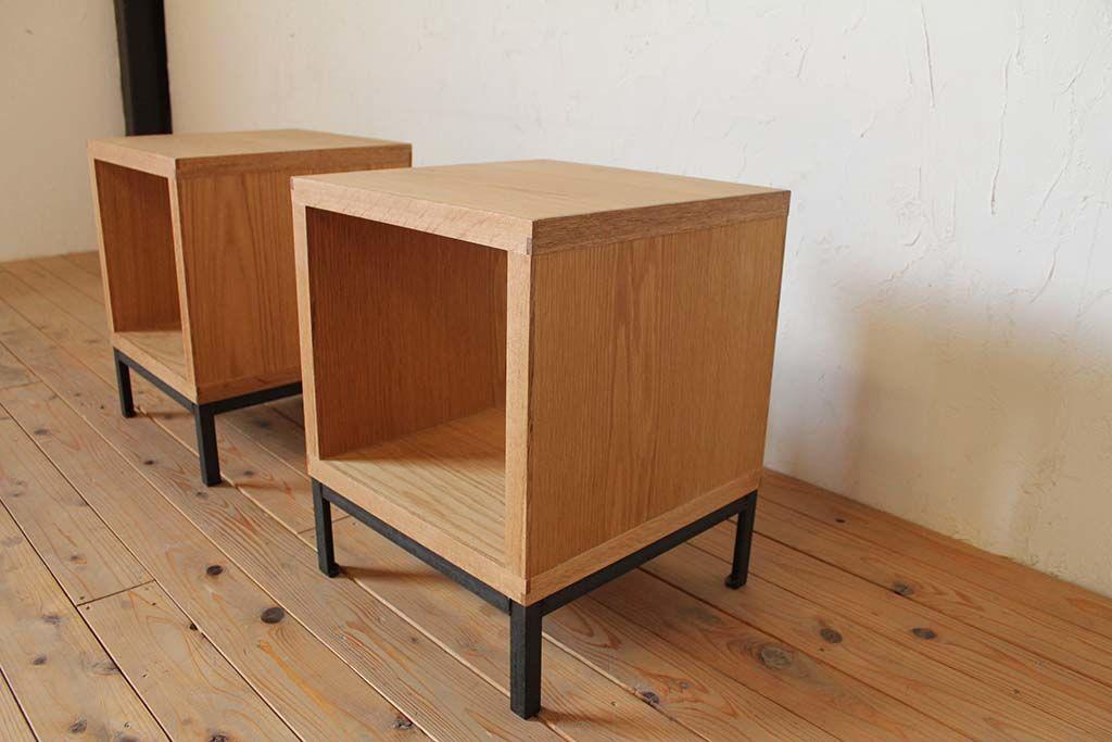 アイアン脚とオーク材のローテーブル