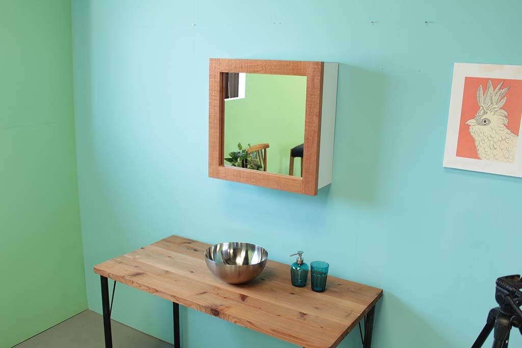無垢チェリーの収納付き壁掛けミラーオーダーメイド事例:M033