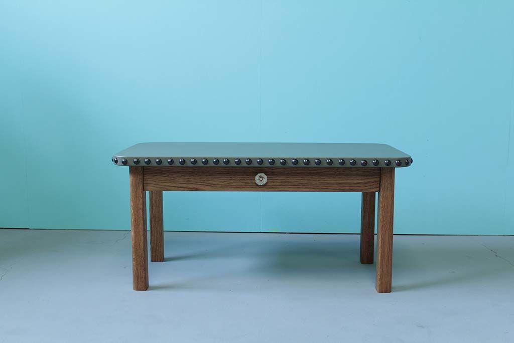無垢オーク材とレザー天板のローテーブル