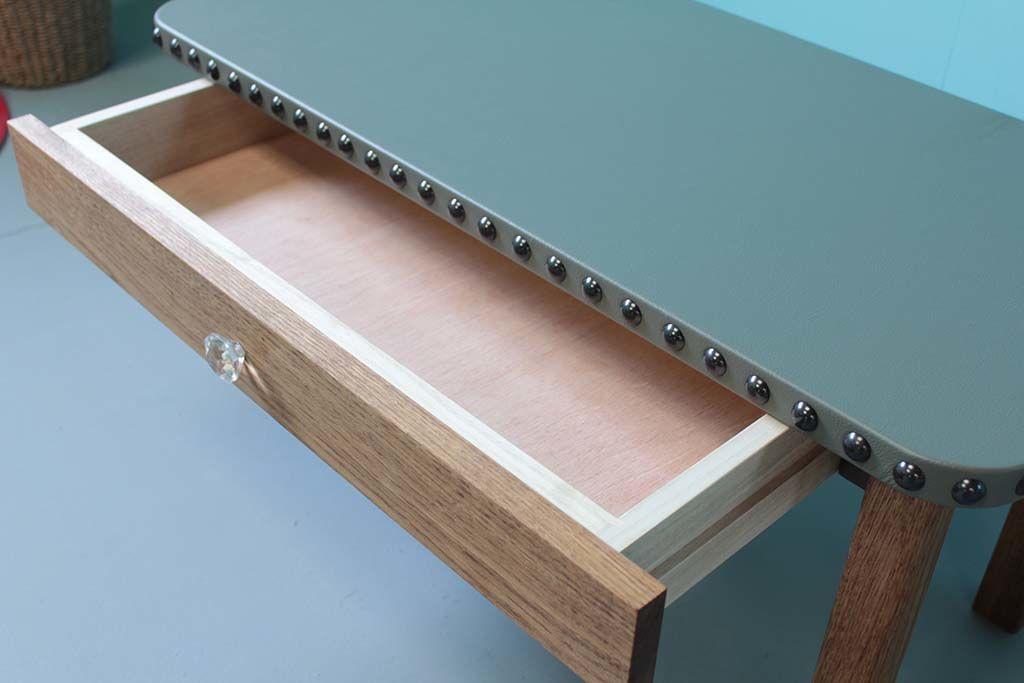 無垢オーク材とレザー天板のローテーブル引き出し付き