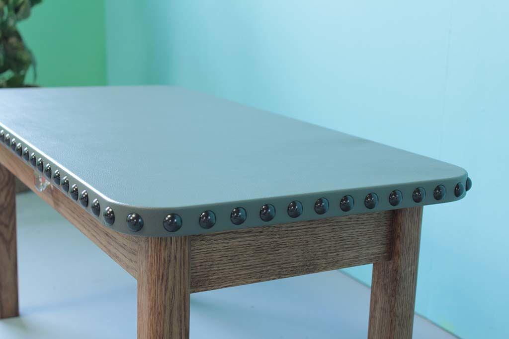 レザー天板のローテーブル