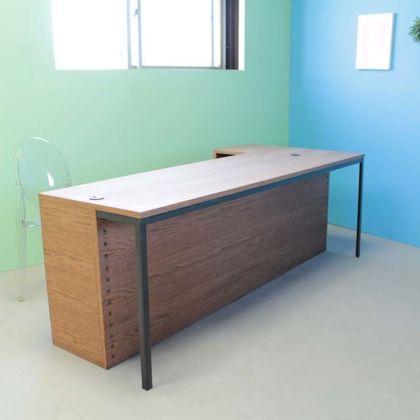 オーク材とアイアン脚の店舗カウンターテーブルオーダーメイド事例:M044