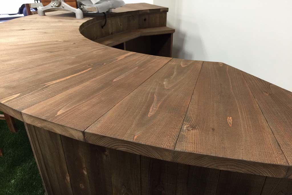 無垢材の半円型店舗コーヒーカウンター無垢天板