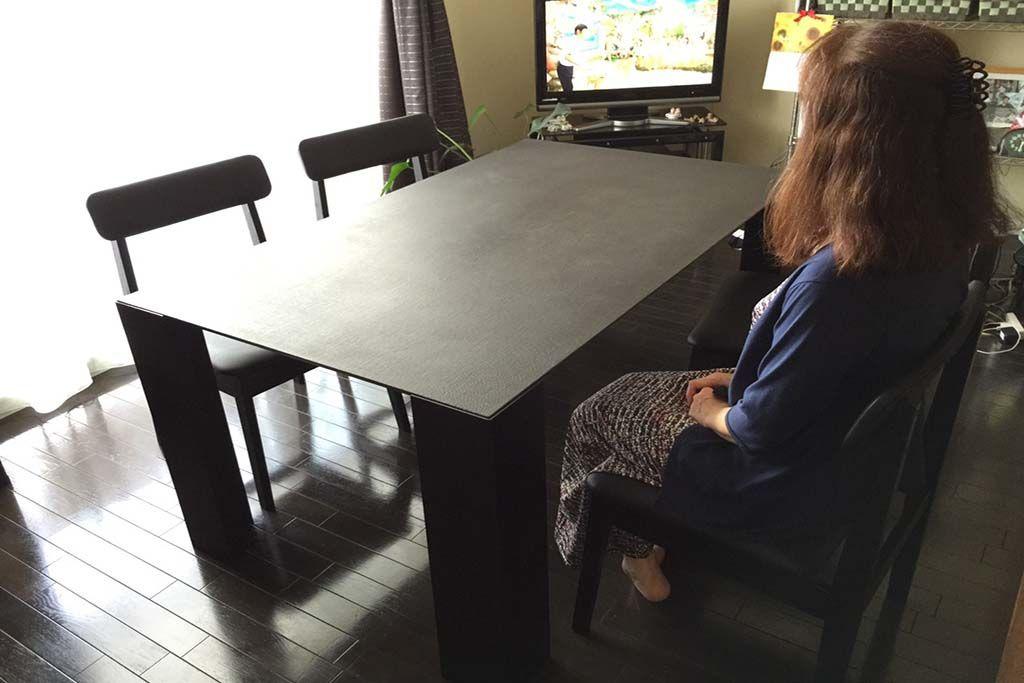 漆テーブルに合わせたダイニングチェアオーダーメイド事例:M054