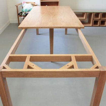 伸縮テーブル脚を広げた時