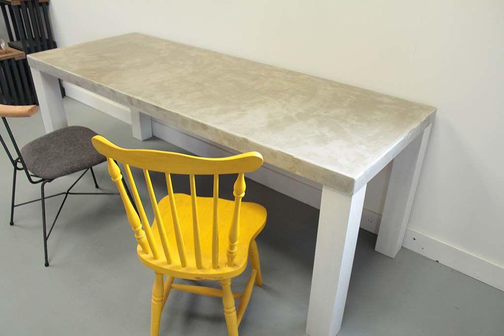 セメント天板ゆったりサイズダイニングテーブル