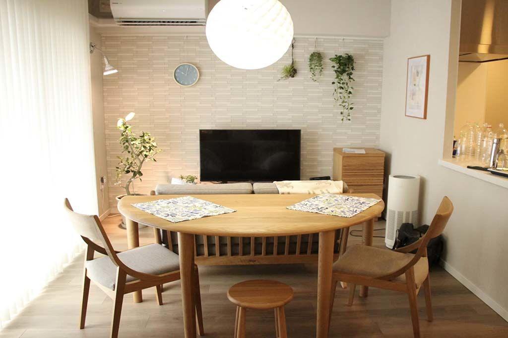 無垢オークの半円ダイニングテーブル椅子のサイズに合わせた4本脚納品画像