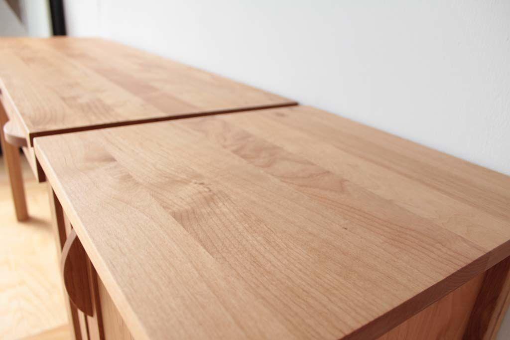 婚礼家具チェリー材3枚扉クローゼットからデスクとキャビネットにリメイク天板クローゼット扉使用