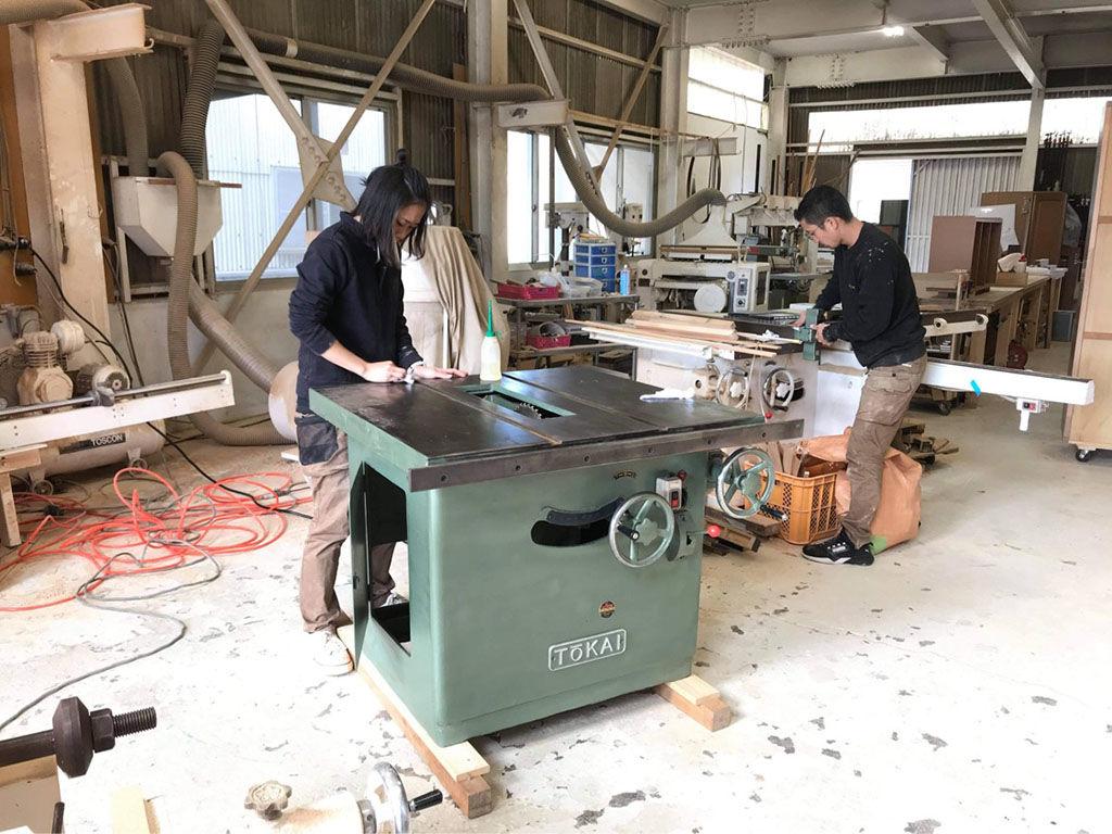 淡路島工房に最近新しく加わった機械のメンテナンス