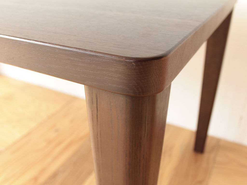 リメイクのご依頼をいただいた無垢オークの立派なダイニングテーブル