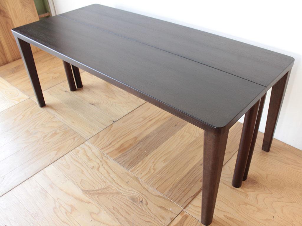 リメイク後も天板を合わせてダイニングテーブルとしても使えるデスク