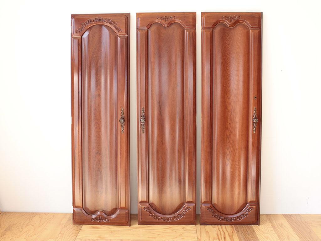 リメイクのご依頼をいただいた花梨の婚礼タンスの扉