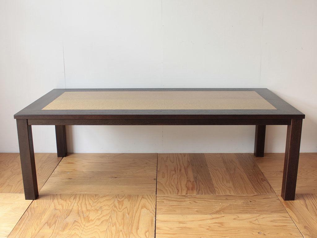 バーズアイメープルの婚礼タンスの扉をリメイクして作ったダイニングテーブル