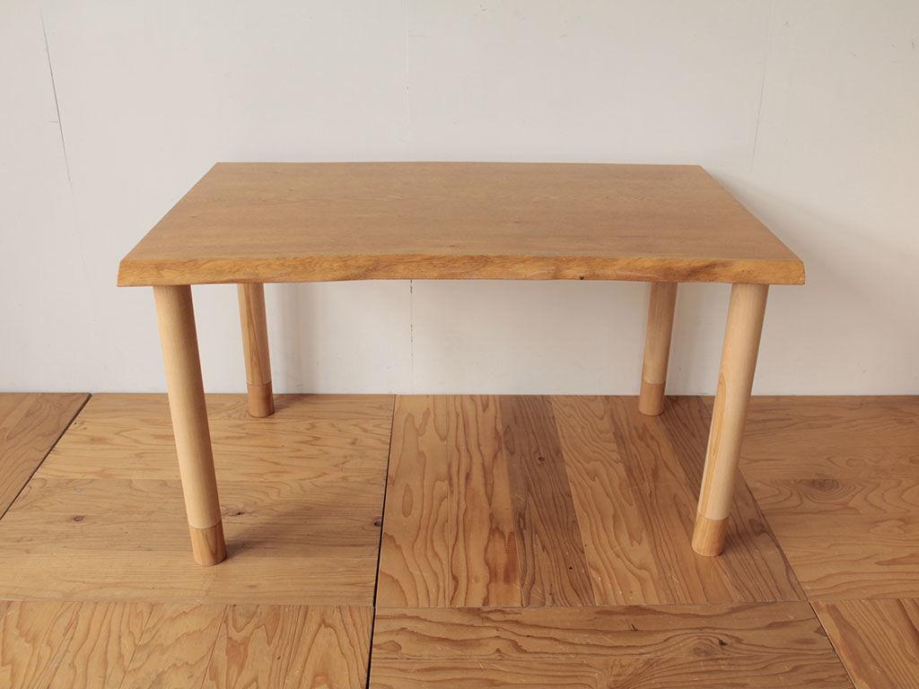 H600のテーブルに下駄を履かせる形でH700に調節できる