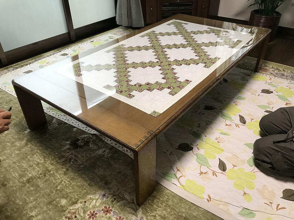 お客様宅ではガラストップをのせて使われていた座卓