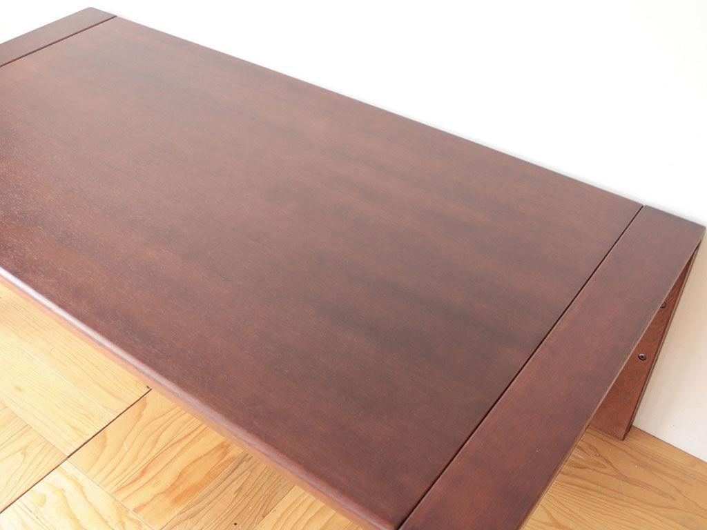 塗装をダークカラーに仕上げシックなテーブルにリメイク