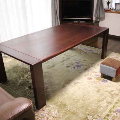 ピッタリお似合いのリメイクしたテーブルと『モンペスツール』