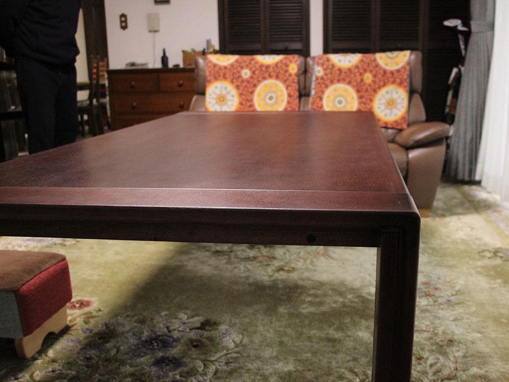 リメイクして綺麗に仕上がったテーブルにお客様は喜んでくださいました
