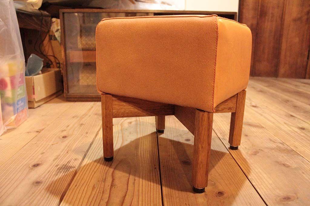 モンペスツールをベースに本革スツール 家具オーダーメイド事例:M040