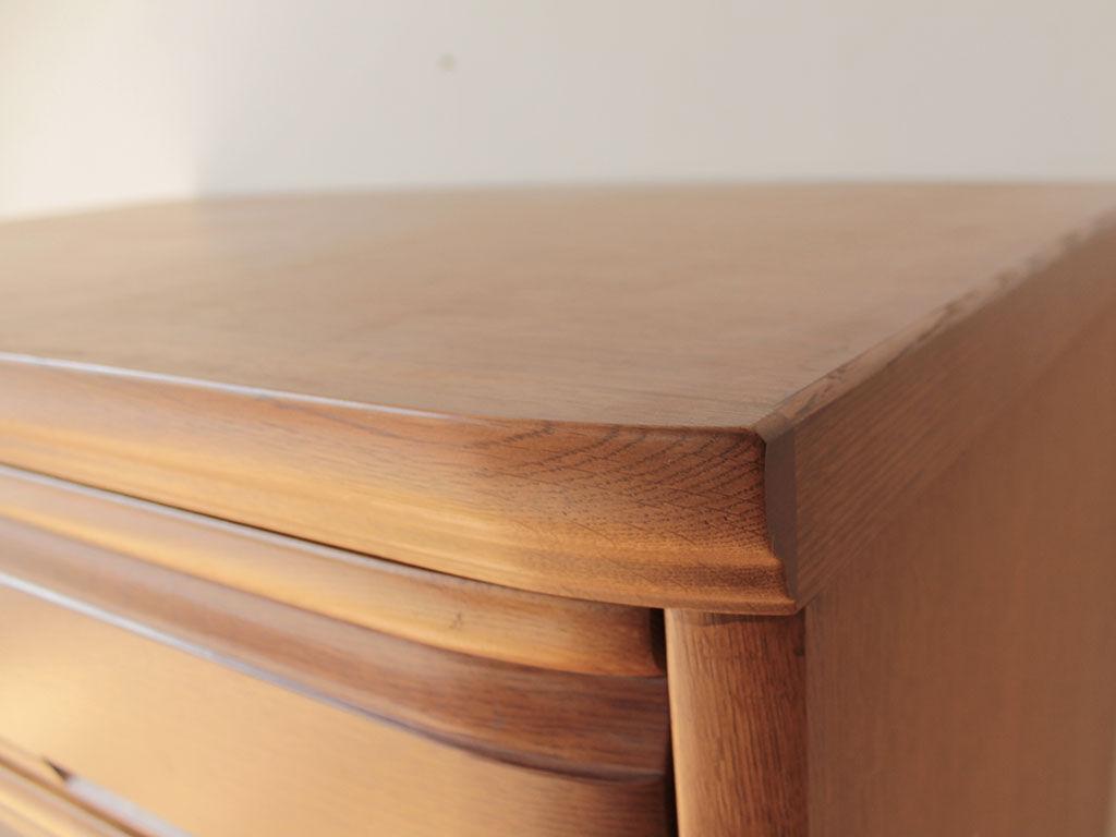 良い素材を使い良い造りがなされている婚礼家具
