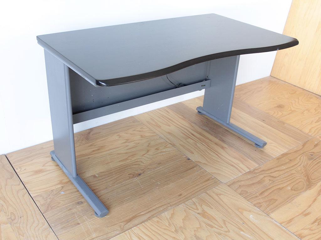 学習机の天板を生かしながらローテーブルにリメイク