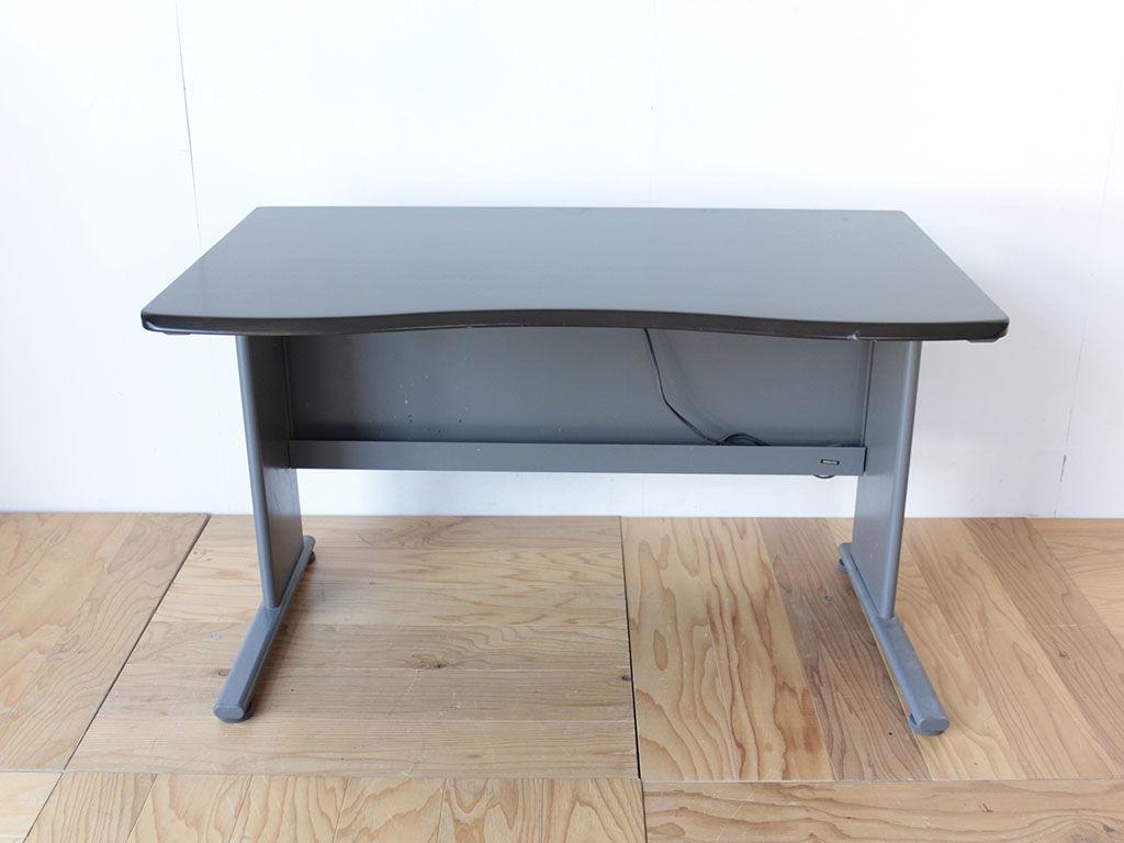 ローテーブルへのリメイクをご依頼いただいた学習机