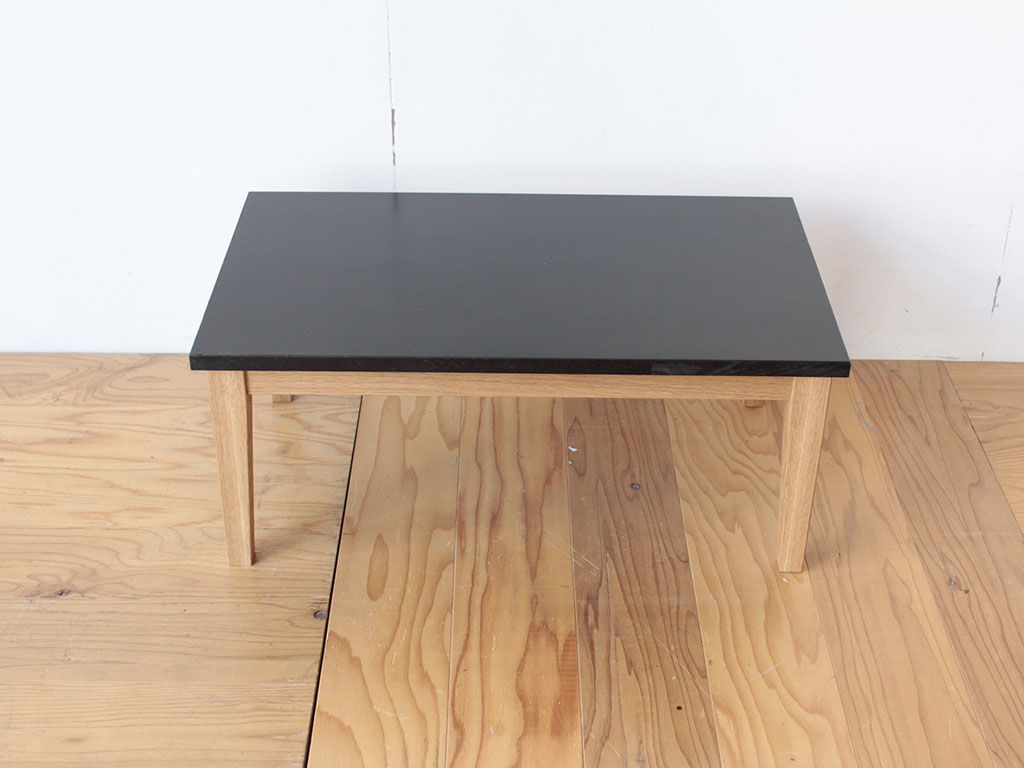 学習机の天板を生かしてリメイクしたローテーブル