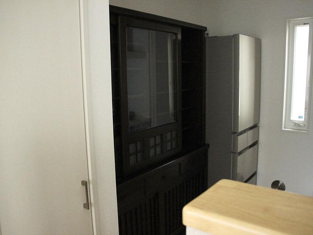 リメイク前の食器棚