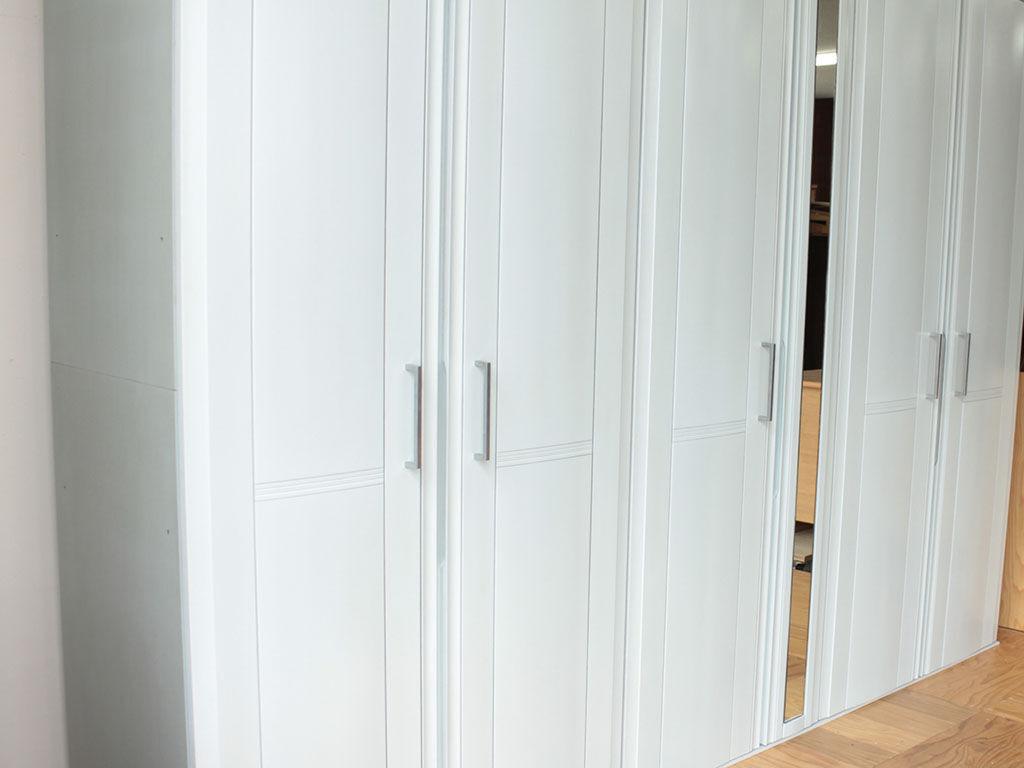 壁面収納タンスをリサイズ&グレイッシュブルーに塗装変更