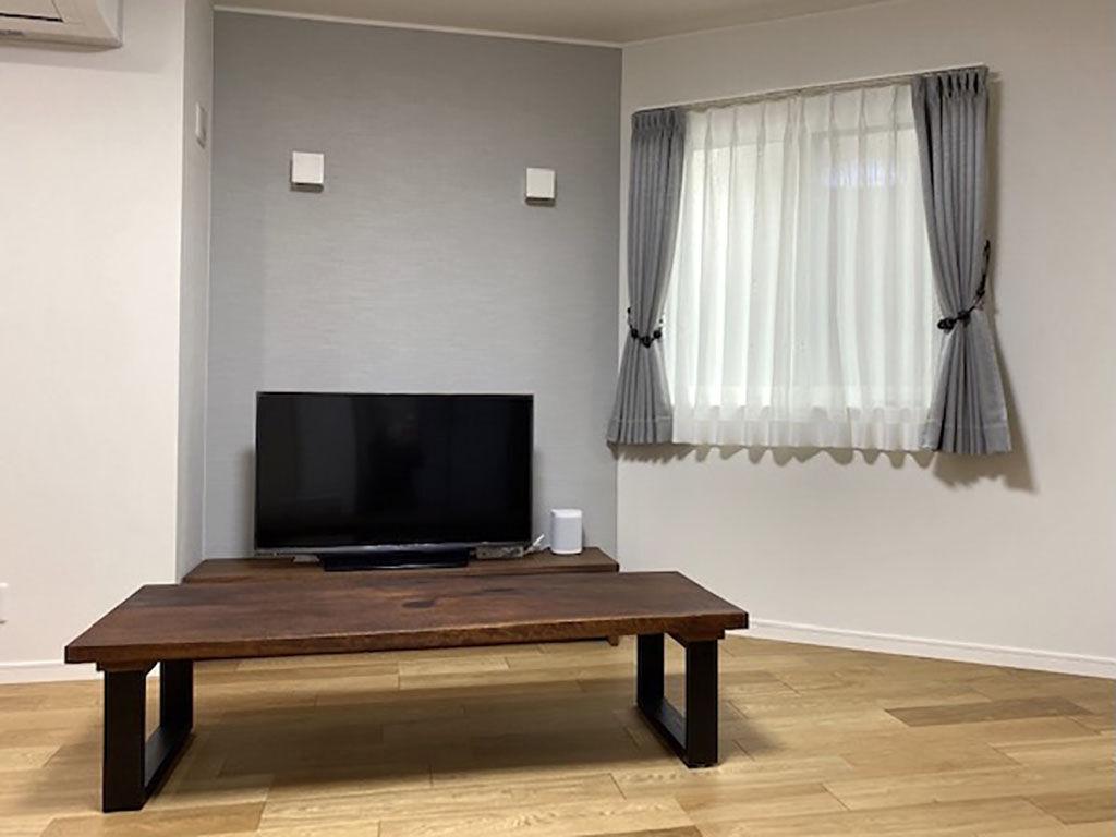 お客様からお送りいただいたリメイクローテーブルを設置したお部屋のお写真