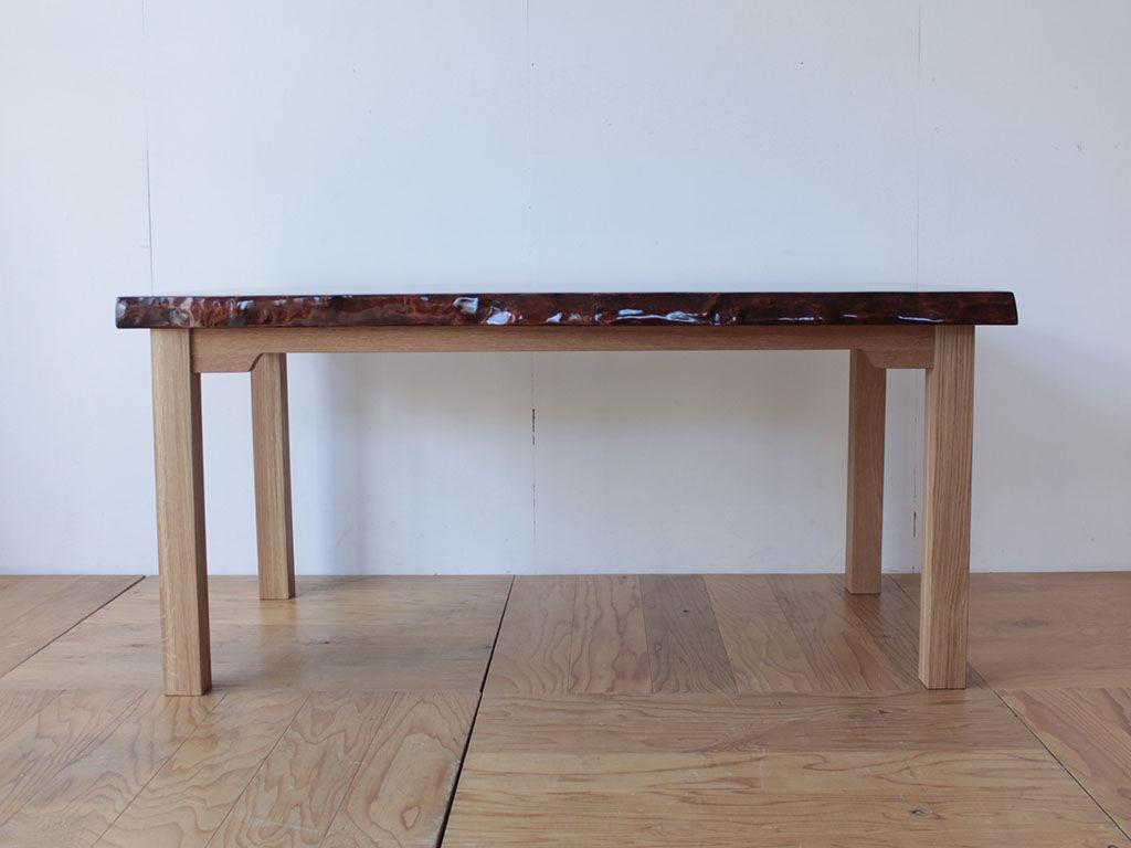 足元の空間広々なダイニングテーブル
