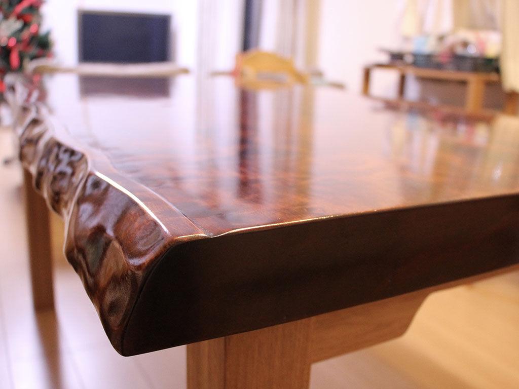 長い時間眠っていた座卓がリメイクでダイニングテーブルに変身