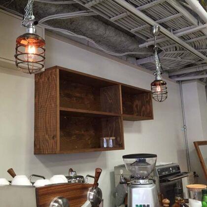 店舗カウンター上壁面オープンシェルフオーダーメイド事例:M051