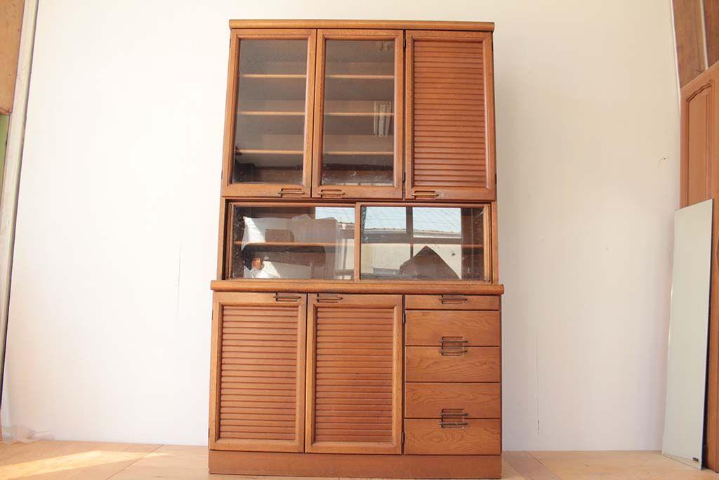 リメイク元 食器棚 下の開き扉と引き出しをリメイク使用