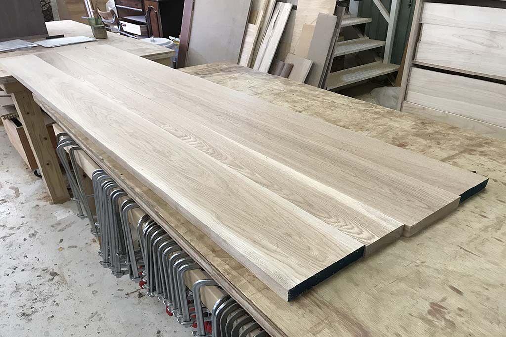 食器棚から無垢オーク材使用のデスクへリメイク 天板無垢オーク材板接ぎ