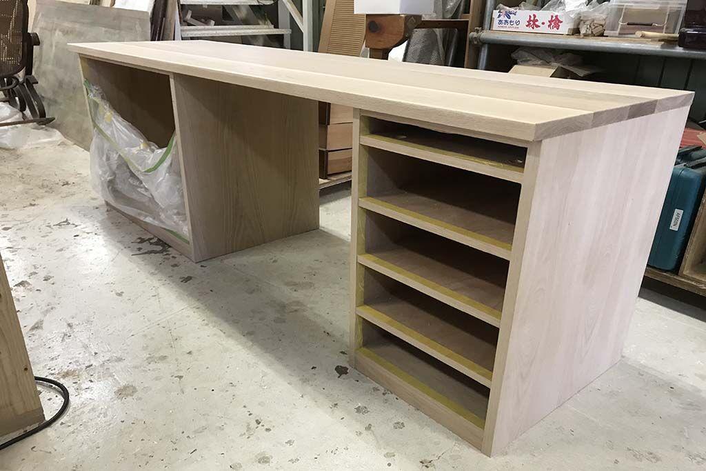 食器棚から無垢オーク材使用のデスクへリメイク 天板本体製作中