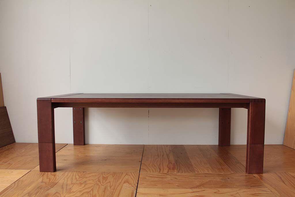 ローテーブルをソファで使えるよう高くサイズアップとダーク色塗装へリメイク