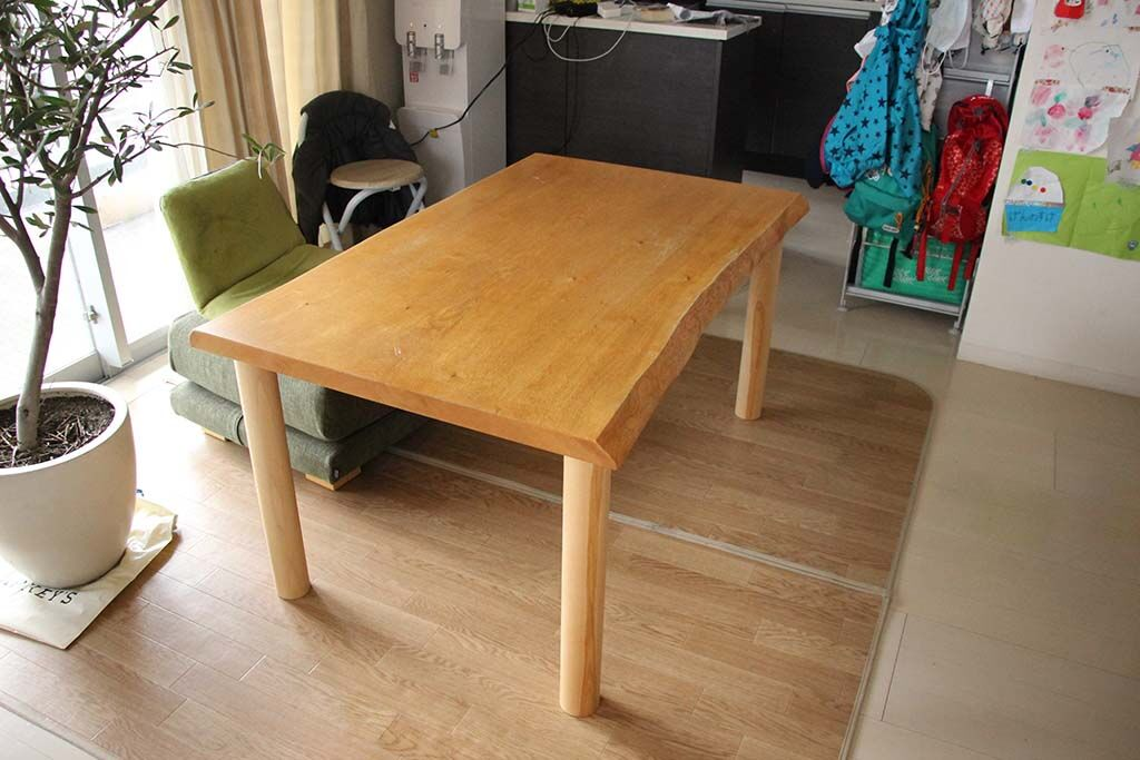 一枚板座卓をダイニングテーブルにリメイク 納品画像