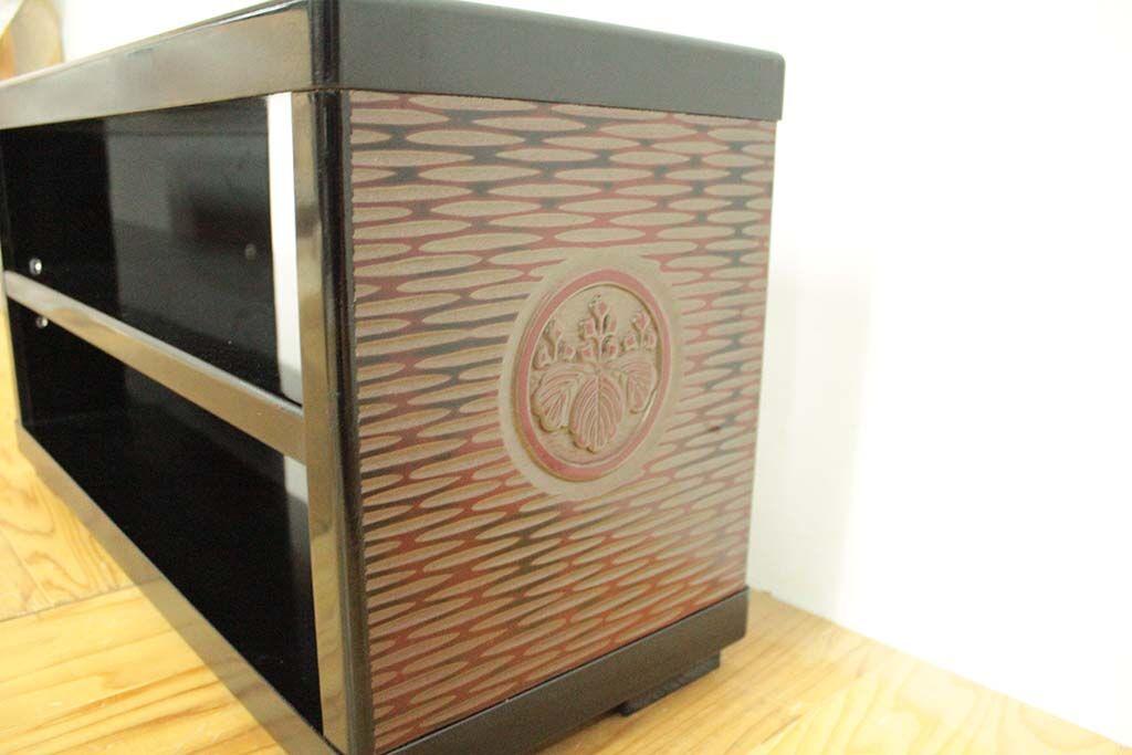 婚礼家具鎌倉彫クローゼット扉をテレビボードへリメイク 和モダン仕上げ